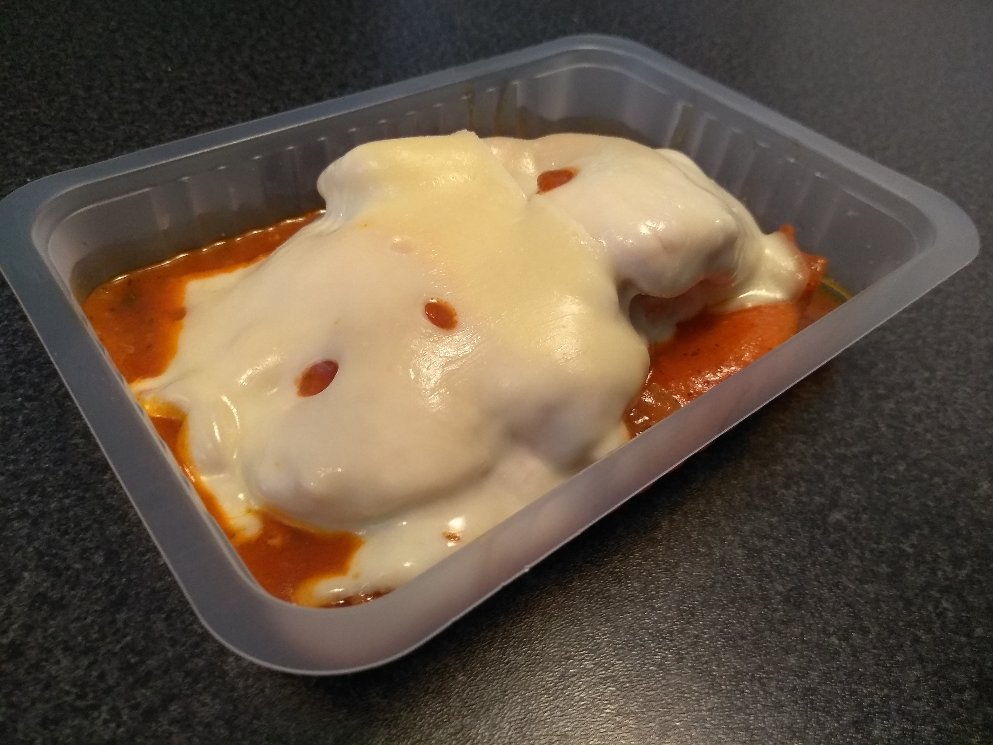 Pechuga De Pollo A La Parmesana